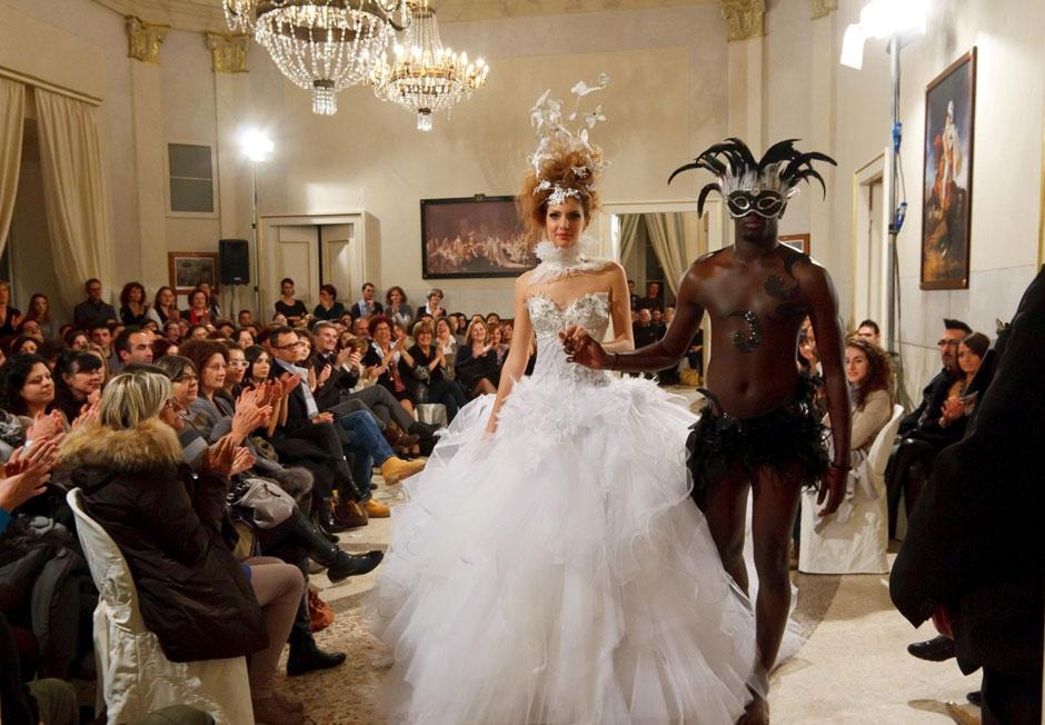 81297be5d058 Un successo annunciato quello della presentazione della collezione 2013 di  abiti da sposa - sposo – Cerimonia dell Atelier Bengasi di Fermo che oltre  alle ...